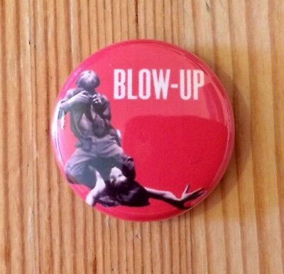 BLOW UP - 1966 MICHELANGELO ANTONIONI MOVIE - BUTTON PIN BADGE (25mm)