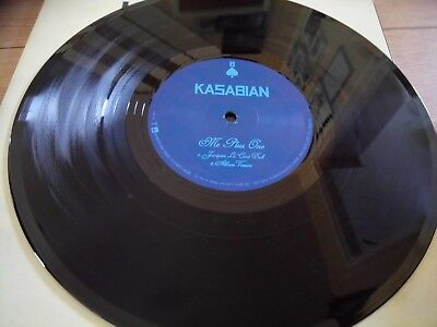 Kasabian 10 Inch Single With Large Poster In Vg Condition