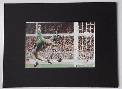 "GARY BAILEY MANCHESTER UNITED & ENGLAND SIGNED  MOUNTED PICTURE 9.5"" x 7"" 1980'S"