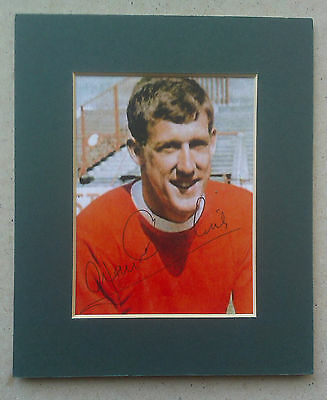 "1968 Alan Gowling  - Manchester United Signed Mounted Picture 6"" X 5"" England"