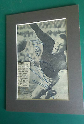 1960's Ronnie Briggs - Manchester United - Legend Signed Mounted Picture