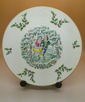 ROYAL DOULTON CHRISTMAS  PLATE 1977 First of a  Series boxed