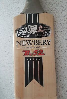 Newbery B52 Sh 2'7 And Free Bat Cover Grade 2 Used