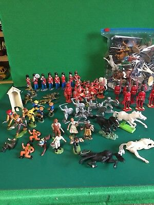 A LARGE JOB LOT OF VINTAGE 1960s SOLDIER FIGURES 54 AND 60m GOOD CONDITION
