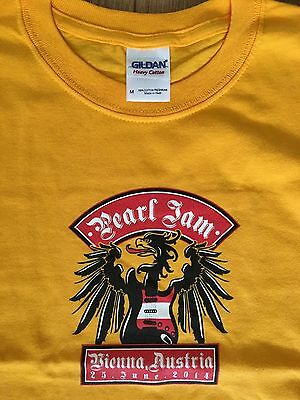 Pearl Jam - European Tour 2014 Austria Vienna Eddie Vedder T Shirt  Medium New!
