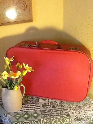 Lovely Vintage Lipstick Red Suitcase-with key! #3446