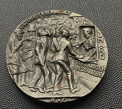 1915 cast iron sinking of the Lusitania medal/65 grams.