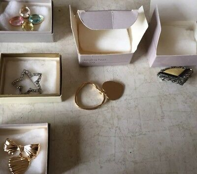 Vintage lot of 5 Avon pins in the original boxes