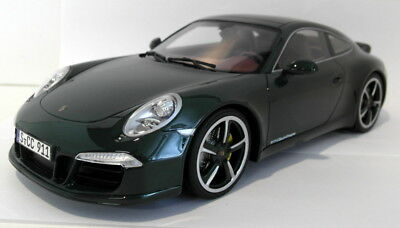 GT Spirit 1/18 Scale Resin - GT007CS Porsche 991 911 Clube Coupe dark green