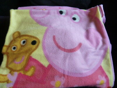 AAP172) Very cute Peppa Pig blanket-style sleeping bag- needs sewing at one seam