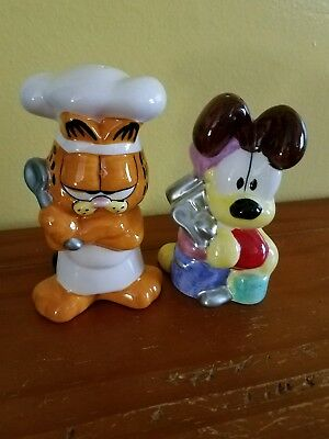 garfield and odie salt n pepper shaker