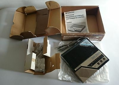 SANYO TAS255 - TELEPHONE ANSWERING SYSTEM with TOUCH REMOTE (BEEPERLESS) CONTROL