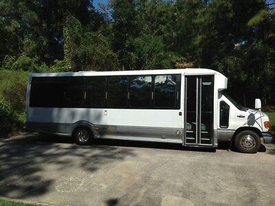 Limo Party Bus 2005 Ford E450 by Turtle Top