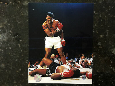 Hall of Famer Muhammad Ali Autographed 8x10 Photo with COA