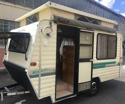 1989 Windsor 13 Foot Pop Top..   With Air Conditioning..