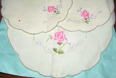 3 Piece Cheval Duchess Set Doilies Embroidered Pink Lily Ecru Round Oval Unused