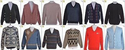 JOB LOT OF 17 VINTAGE MEN'S KNITS  - Mix of Era's, styles and sizes (24109)