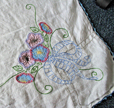 Vintage Pure Linen Tablecloth With Fine Floral Embroidery Applique Crochet