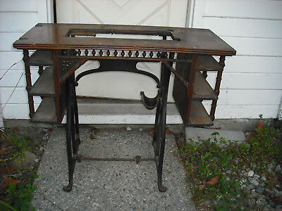 Wheeler & Wilson Oak top Treadle Sewing Machine Cast Iron Base, drawer INSERTS.
