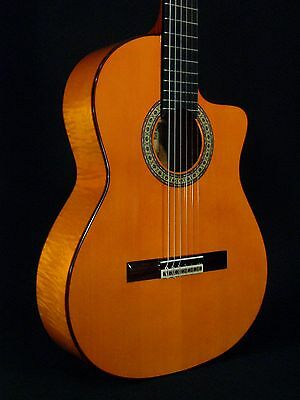 Cutaway Spanish Guitar Juan Montes. Flamed Maple. Guitarra Flamenco. Hard Case