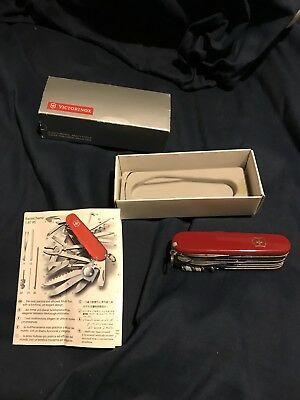 Victorinox Swiss Army Knife Champion Model # 54525 1.6795.R Red New Never Used