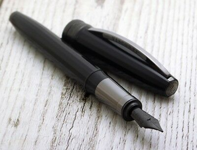 Visconti Michelangelo Back To Black Converter Fountain VI53 Pen M Nib New #0006