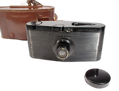Purma Special - 1930s Classic Bakelite Rare Roll Film Camera in Original Case