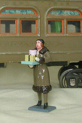 Woman Carrying Packages, Standard Gauge platform layout figure, New/Conversion