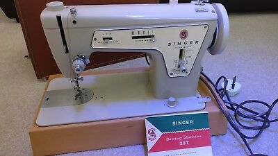 singer 237 sewing machine great condition