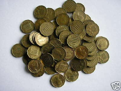 UK - 40 x CIRCULATED GEORGE VI & ELIZABETH II BRASS 3d COINS- 10 SHILLINGS WORTH
