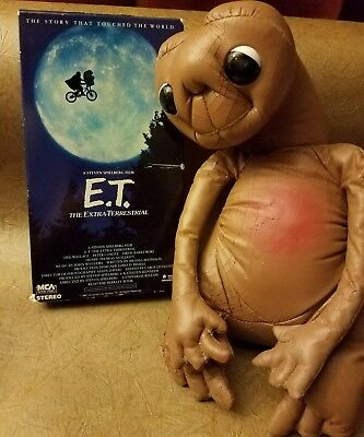 """1982 Vintage Kamar E.T. The Extra-Terrestrial 9"""" Faux Leather PLUS Movie VHS"""