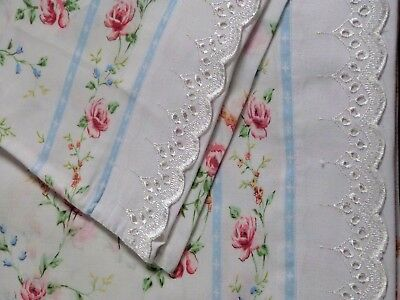 Pair of Beautiful VINTAGE Cotton Rose Printed Broderie Anglaise Pillow Cases