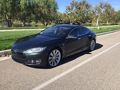 2013 Tesla Model S Model s P85 Tesla P85 PERFORMANCE rear facing seats, loaded model S!!