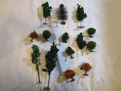 Lot of HO Scale Model Railroad Trees (14 Pieces)