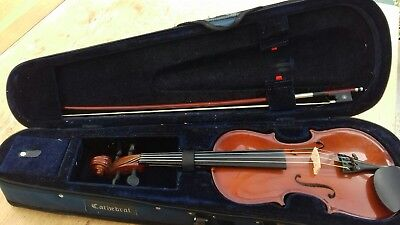 1/2 size violin with Dominant brand strings