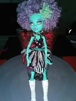 poupée monster high honey