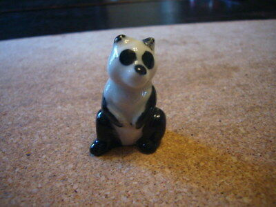 Wade Whimsies cute little Panda - very good condition