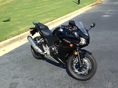 2014 Honda CBR  2014 cbr500r with less that 2000 miles