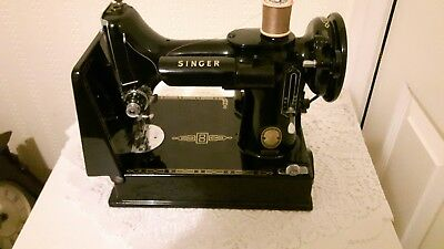 Vintage Singer 221K  Featherweight Portable Sewing Machine ~ With Case / Pedal