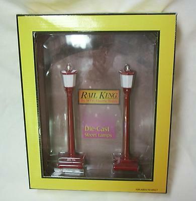 MTH 30-11001 Red #35 Die-Cast Street Lamp Set of 2 - NEW