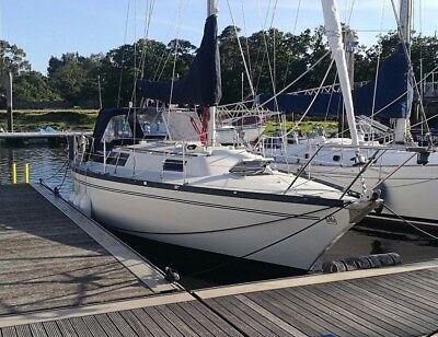 Dufour 31 Sailing Yacht, New Upholstery, Oven, Canvas, Excellent Condition