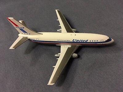 """Inflight 200 United Airlines Boeing 737 """"Friend Ship"""" 1:200 Limited Production"""