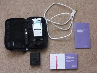 One Touch Verio IQ Blood Glucose Monitor, with pouch and accesories.