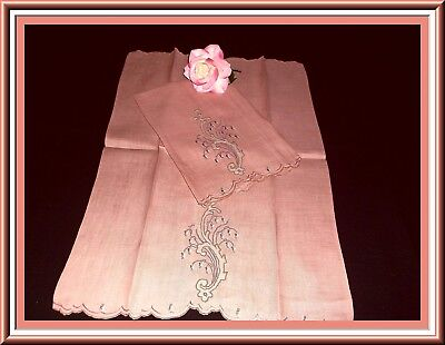Pair Fabulous Fine Irish Linen Madeira Embroidered Guest Towels Great Design