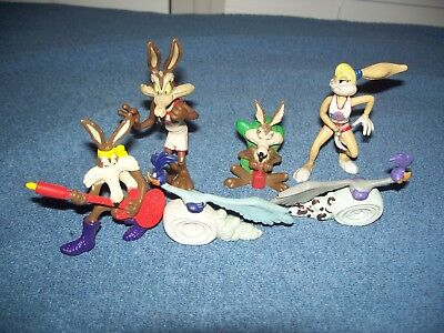 Lot of Wile E Coyote & Roadrunner PVC Warner Bros Looney Tunes Action Figures