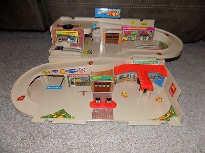 Vintage 1979 Mattel Hot Wheels Service Center Foldaway Garage w/ Original Box