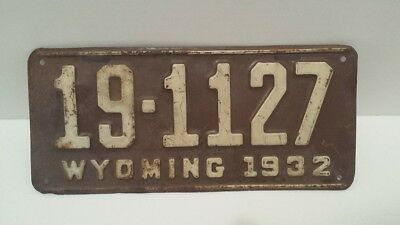 Vintage Original 1932 Wyoming Auto License Plate Great Graphics Very Collectible
