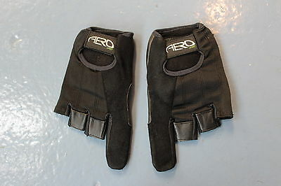 Wheel Chair Glove With Protected Index Finger