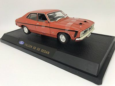 Oz Legends 1:32 XB GS Ford falcon Sedan: Tango