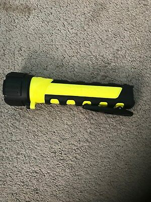 150 Lumen 3C Intrinsically Safe LED Flashlight w/ Batteries (Slightly Used)